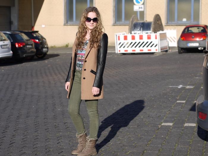Dress co(de)at