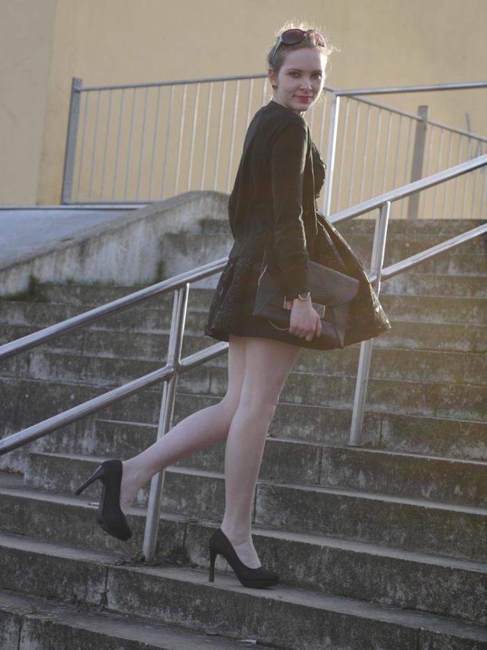 Juliastreetstyleblog_das_kleine_Schwarze_blackdress (1)