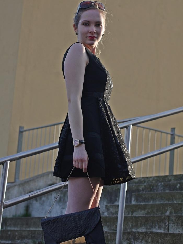 Juliastreetstyleblog_das_kleine_Schwarze_blackdress (6)