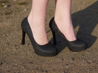Juliastreetstyleblog_das_kleine_Schwarze_blackdress (7)