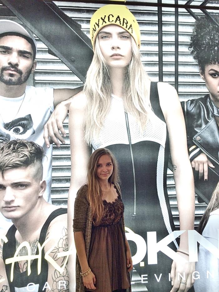 Julia_streetstyle_blog_cara_dnky_#CaraD4DKNY_1_Bloomingdales_NYC_3.k