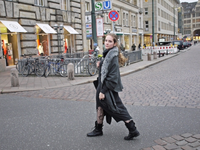 Julia_streetstyle_blog_winter_outfit_grey_33.k