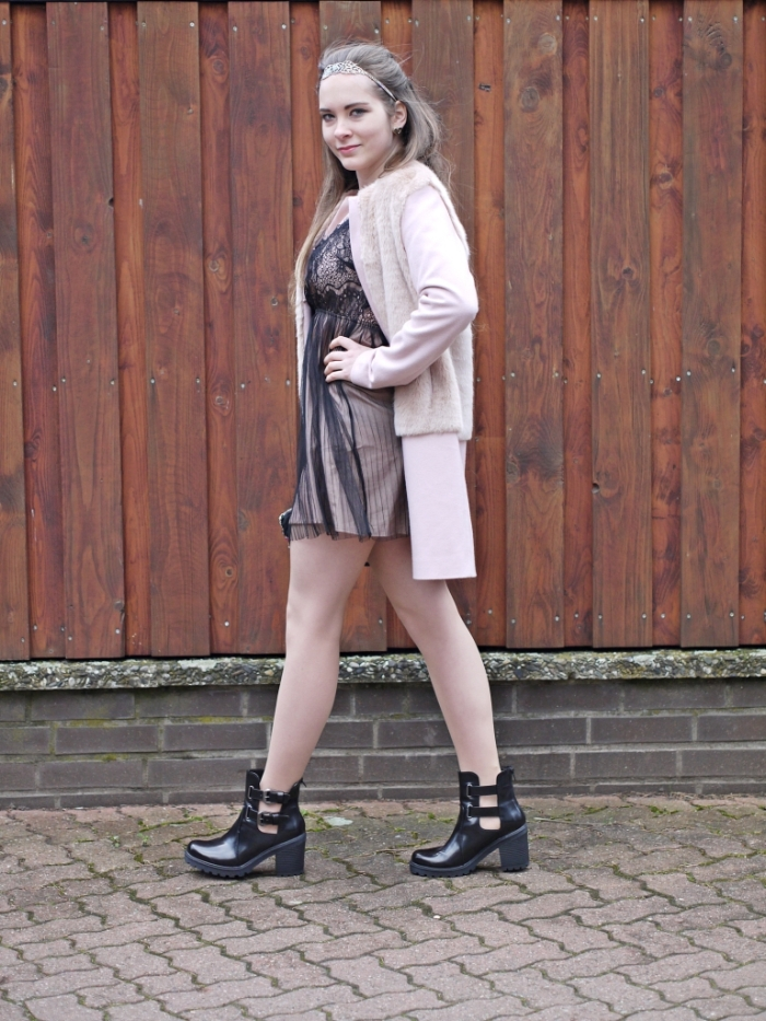 Julia_streetsyleblog_nude_look_Zara_coat_15.k