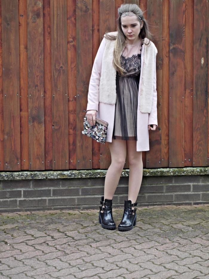 Julia_streetsyleblog_nude_look_Zara_coat_16.k