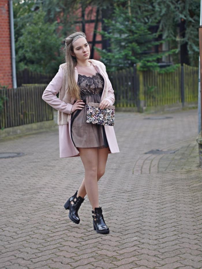 Julia_streetsyleblog_nude_look_Zara_coat_3.k