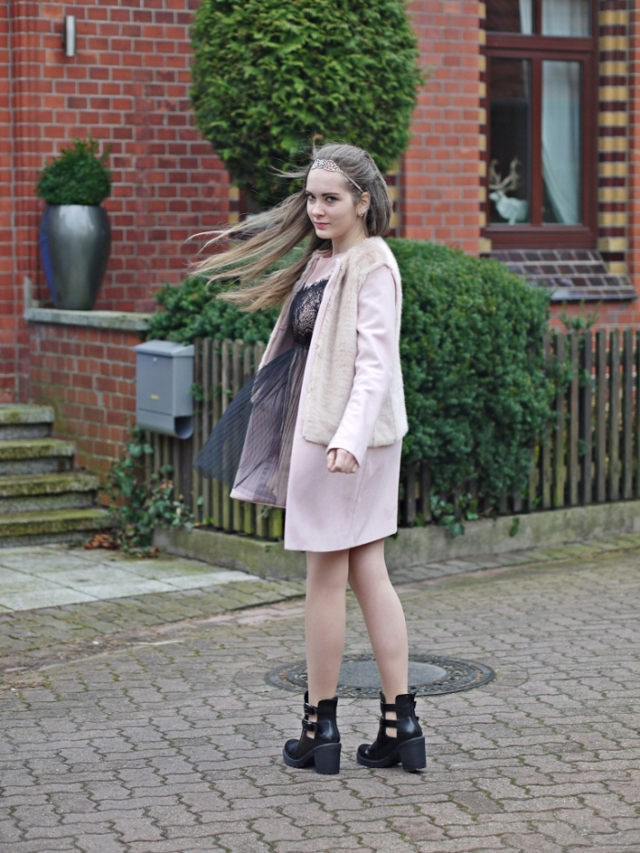 Julia_streetsyleblog_nude_look_Zara_coat_5.k
