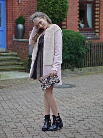 Julia_streetsyleblog_nude_look_Zara_coat_8.k