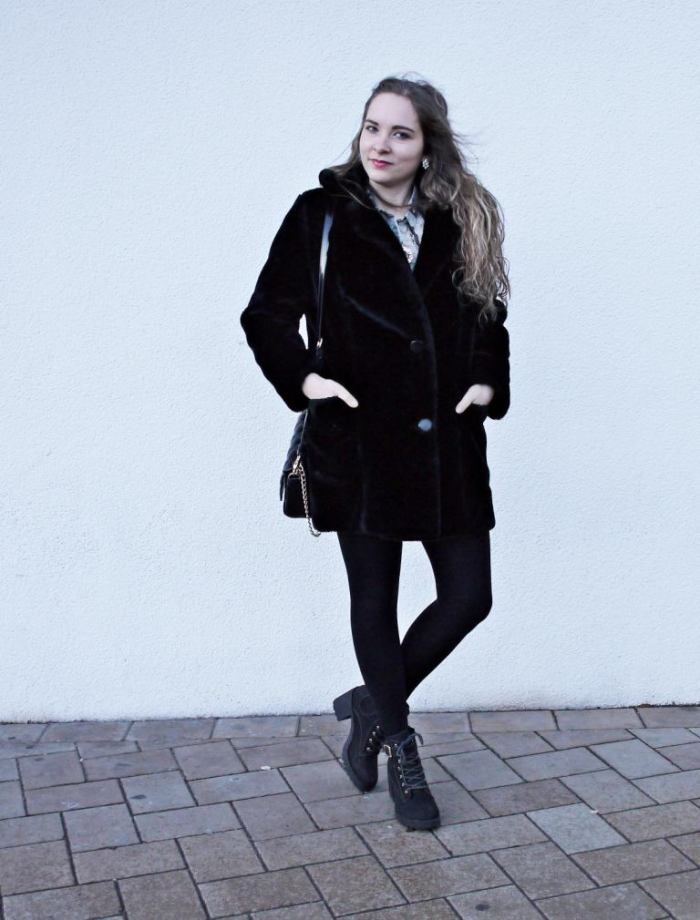 Julia_Luedtke_(C)_Julia_streetstyle_blog_leather_skirt_fake_fur_coat_11.Aussch_k.
