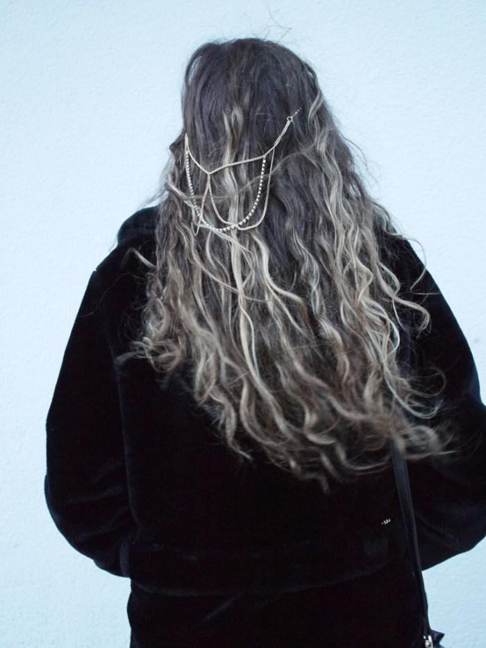 Julia_Luedtke_(C)_Julia_streetstyle_blog_leather_skirt_fake_fur_coat_19.k