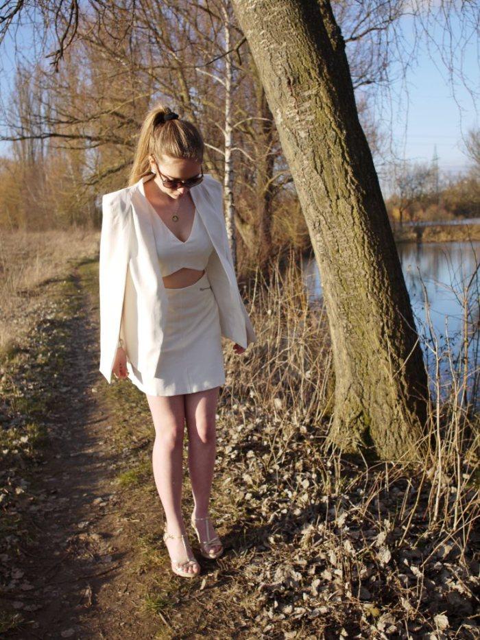 Julia_Luedtke_(C)_Julia_streetstyle_blog_Yacht_white_outfit_13.k