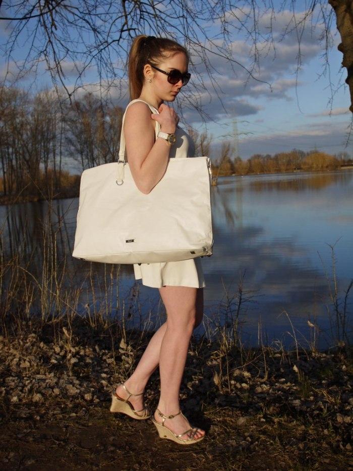 Julia_Luedtke_(C)_Julia_streetstyle_blog_Yacht_white_outfit_14.k