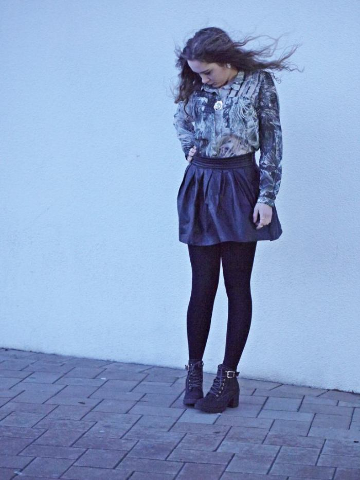 Julia_streetstyle_blog_leather_skirt_fake_fur_coat_1.k