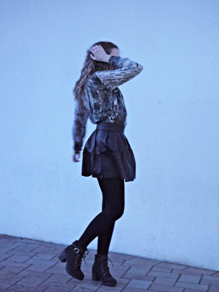 Julia_streetstyle_blog_leather_skirt_fake_fur_coat_10.k