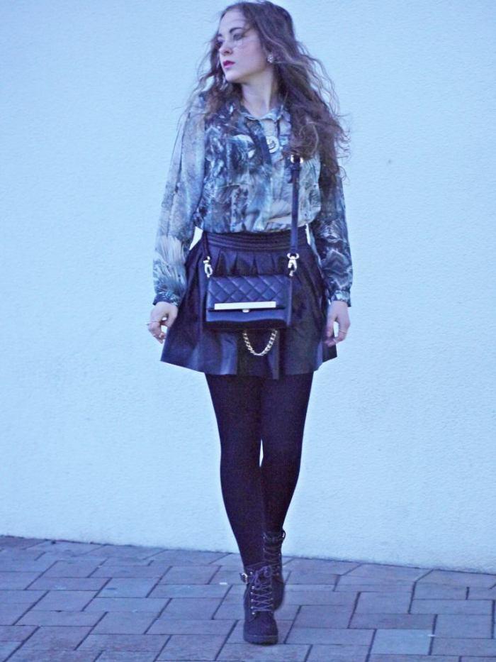 Julia_streetstyle_blog_leather_skirt_fake_fur_coat_2.k