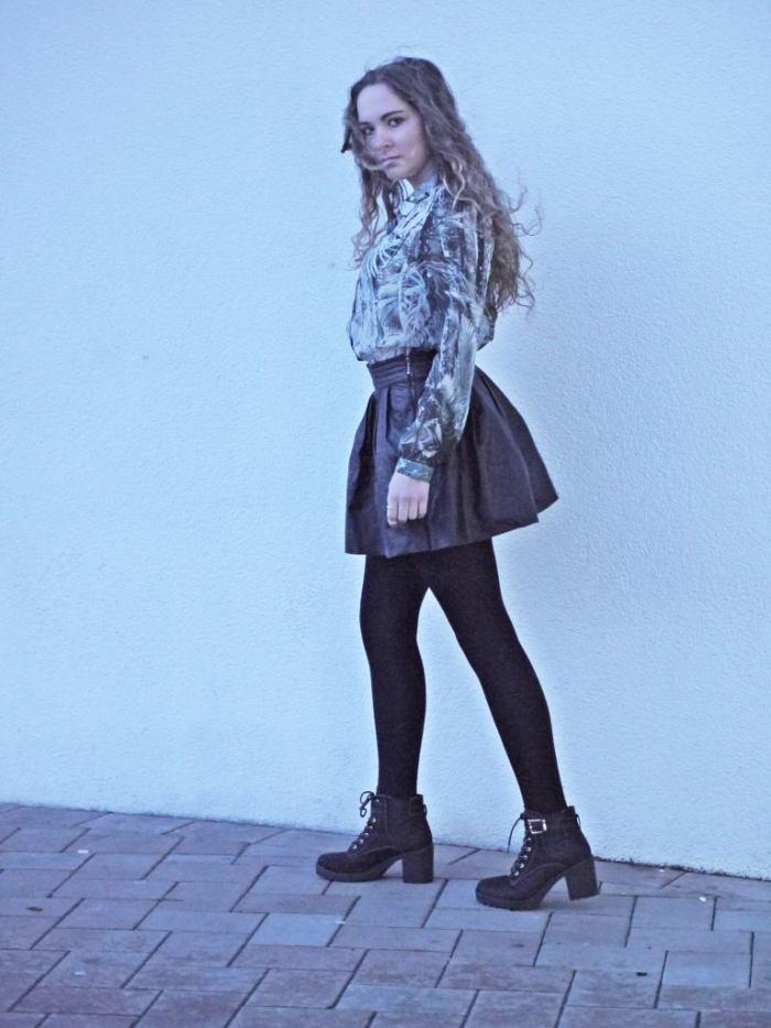 Julia_streetstyle_blog_leather_skirt_fake_fur_coat_3.k