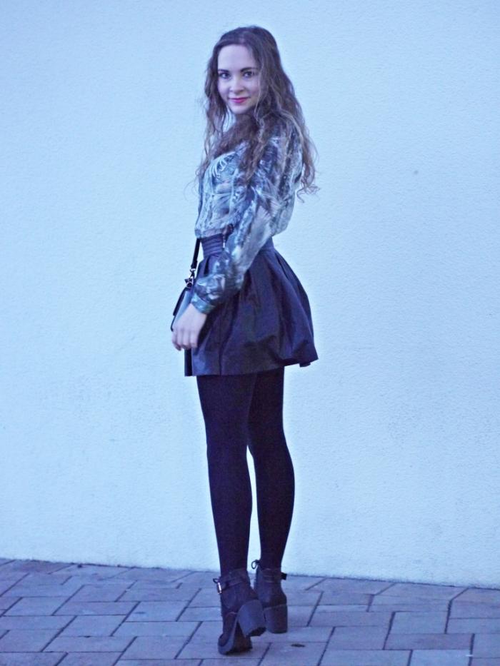 Julia_streetstyle_blog_leather_skirt_fake_fur_coat_4.k
