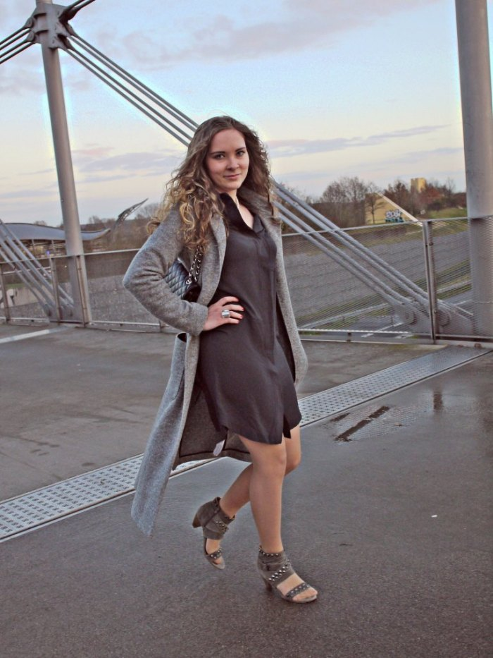 Julia_streetstyle_blog_shirt_dress_long_coat_2.k