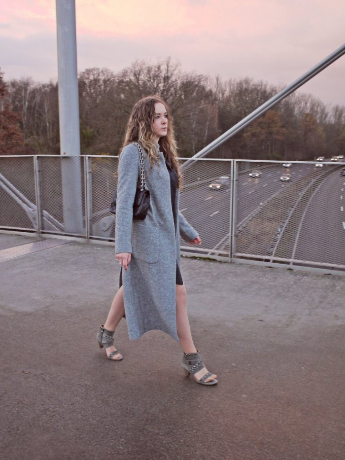Julia_streetstyle_blog_shirt_dress_long_coat_4.k