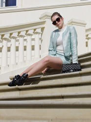 Julia_Luedtke_(C)_Julia_streetstyleblog_two_piece_suit_Zweiteiler_glamorous_spring_outfit_12.k