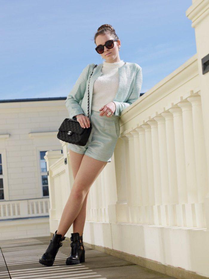 Julia_Luedtke_(C)_Julia_streetstyleblog_two_piece_suit_Zweiteiler_glamorous_spring_outfit_18.k