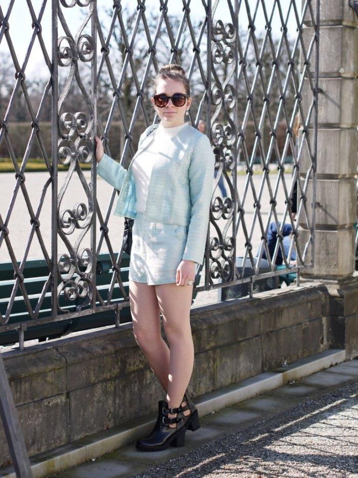 Julia_Luedtke_(C)_Julia_streetstyleblog_two_piece_suit_Zweiteiler_glamorous_spring_outfit_28.k