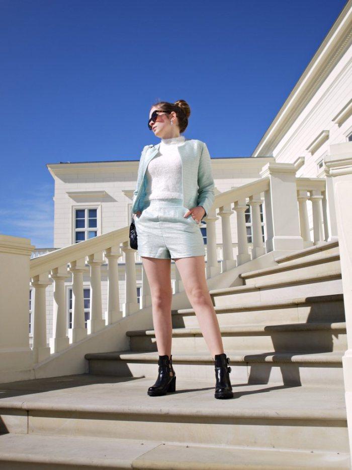 Julia_Luedtke_(C)_Julia_streetstyleblog_two_piece_suit_Zweiteiler_glamorous_spring_outfit_3.k