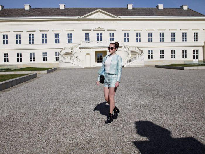Julia_Luedtke_(C)_Julia_streetstyleblog_two_piece_suit_Zweiteiler_glamorous_spring_outfit_34.k