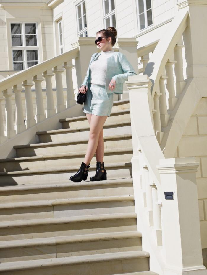 Julia_Luedtke_(C)_Julia_streetstyleblog_two_piece_suit_Zweiteiler_glamorous_spring_outfit_9_k