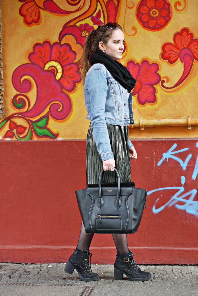 Julia_Luedtke_(C)_Julia_streetstyle_blog_Berlin_Kreuzberg_pleated_skirt_spring_outfit_Plisseerock_1.k