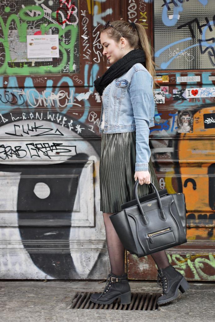 Julia_Luedtke_(C)_Julia_streetstyle_blog_Berlin_Kreuzberg_pleated_skirt_spring_outfit_Plisseerock_12.k