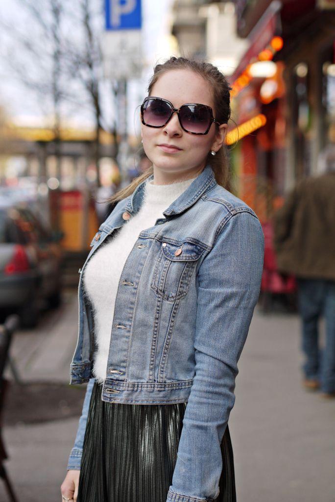 Julia_Luedtke_(C)_Julia_streetstyle_blog_Berlin_Kreuzberg_pleated_skirt_spring_outfit_Plisseerock_6.k