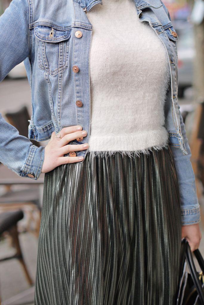 Julia_Luedtke_(C)_Julia_streetstyle_blog_Berlin_Kreuzberg_pleated_skirt_spring_outfit_Plisseerock_8.k