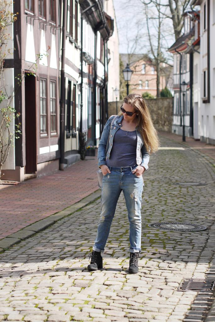 Julia_Luedtke_(C)_Julia_streetstyle_blog_boyfriend_jeans_outfit_Hameln_1.k
