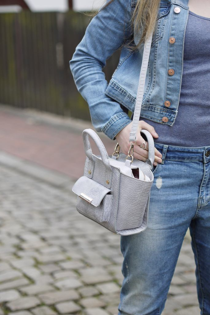Julia_Luedtke_(C)_Julia_streetstyle_blog_boyfriend_jeans_outfit_Hameln_5.k