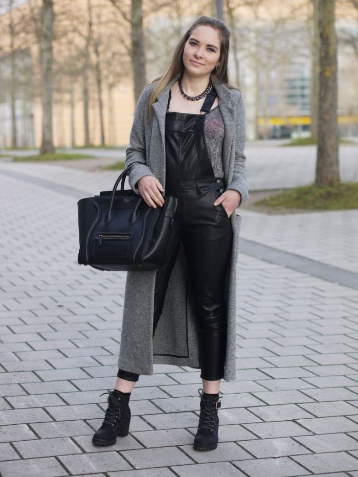 Julia_Luedtke_(C)_Julia_streetstyle_blog_fake-leather-black-jumpsuit-overall_1.k