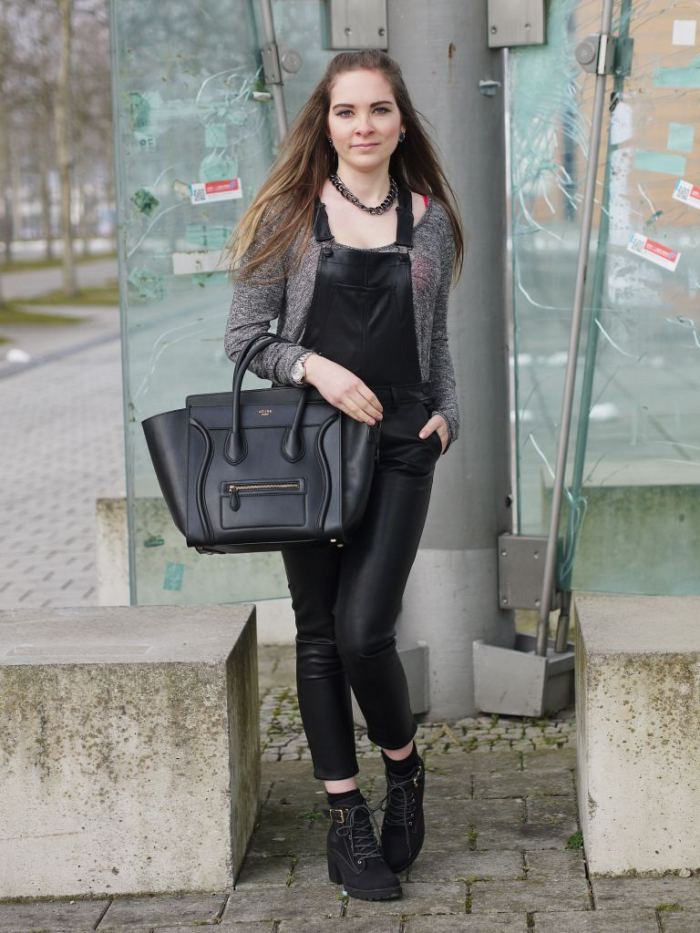 Julia_Luedtke_(C)_Julia_streetstyle_blog_fake-leather-black-jumpsuit-overall_8.k