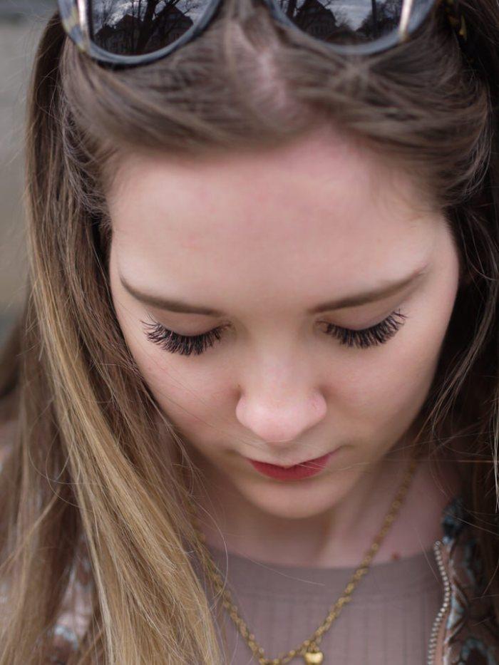 Julia_Luedtke_(C)_Julia_streetstyle_blog_elegant_excellent_WimpernLounge_Hannover_Joanna_Florian (11)