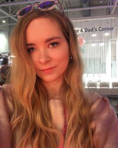 Julia_Luedtke_(C)_Julia_streetstyle_blog_Glowcon (12)