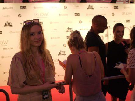 Julia_Luedtke_(C)_Julia_streetstyle_blog_Glowcon (28)