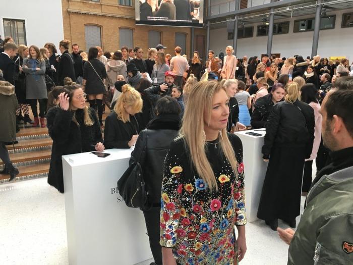 julia_luedtke_c_julia_streetstyle_blog_marina_hoermanseder_mbfw_berlin_aw_2017_2018_1_1