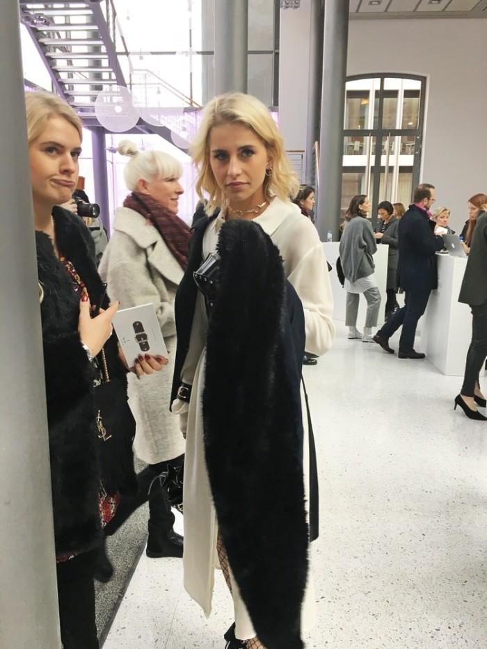 julia_luedtke_c_julia_streetstyle_blog_marina_hoermanseder_mbfw_berlin_aw_2017_2018_5_1