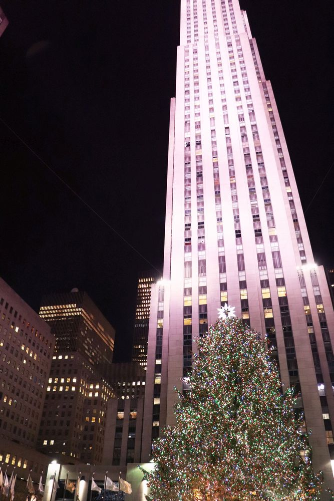 Julia_Luedtke_(C)_julia_streetstyle_blog_New_York_City_christmas_tree_lighting_Rockefeller_Center.5k