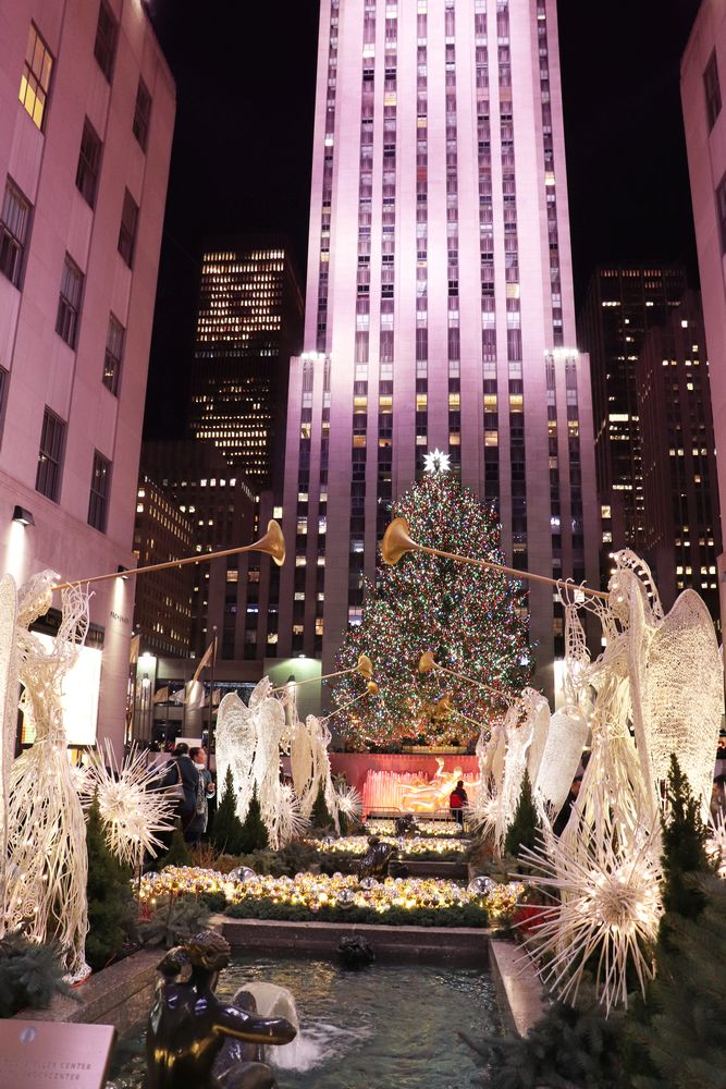 Julia_Luedtke_(C)_julia_streetstyle_blog_New_York_City_christmas_tree_lighting_Rockefeller_Center.7k