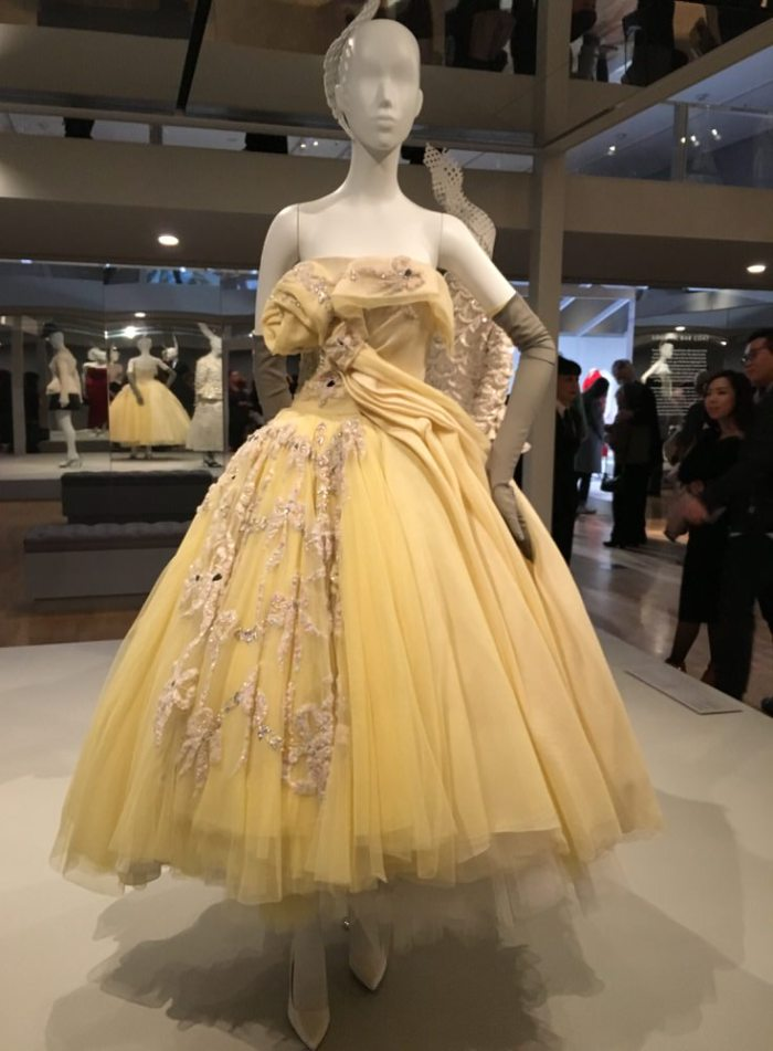 Julia_Luedtke_(C)_julia_streetstyle_blog_The_House_of_Dior_Seventy_Years_of_Haute_Couture_Melbourne_at_NGV (8)