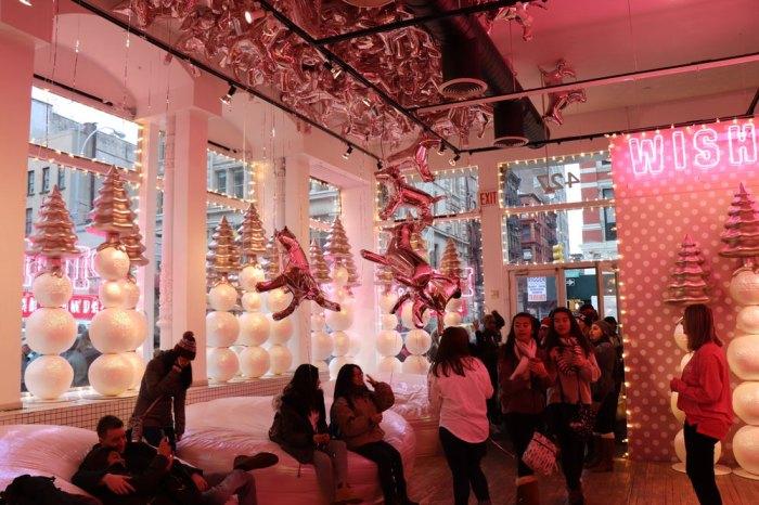 Julia_Luedtke_(C)_Pink_Snowed_Inn_Event_New_York_City_1 (2)